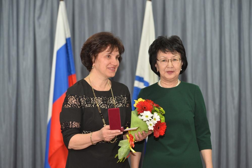 Ольга Новикова стала Почетным гражданином Республики Алтай